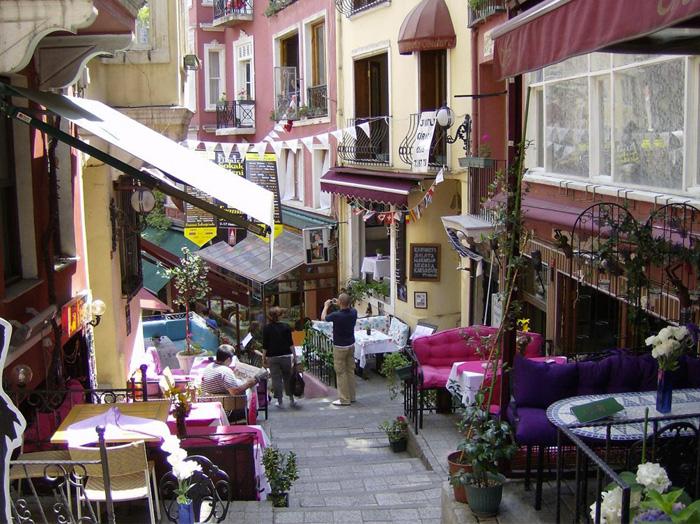 do-french-street-700×524