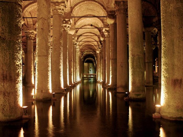 see-basilica-cistern-700×524